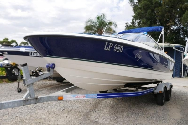 Bayliner 215 Discovery Bow Rider for sale in Braeside, Victoria at $41,500