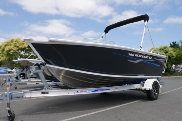 Quintrex 460 Renegade SC Side Console for sale in Braeside, Victoria at $35,999
